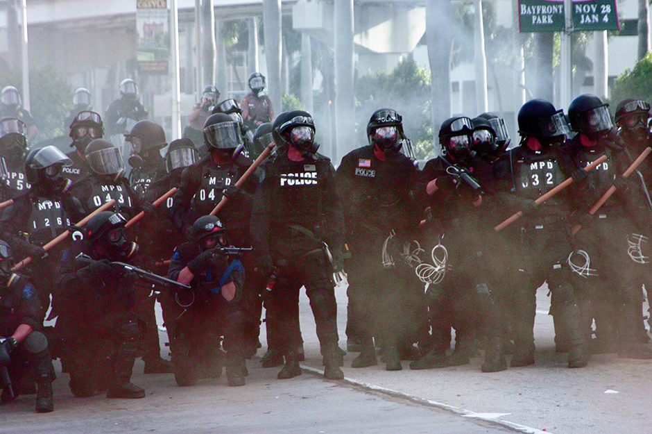 14 Police Ready to Fire-Header