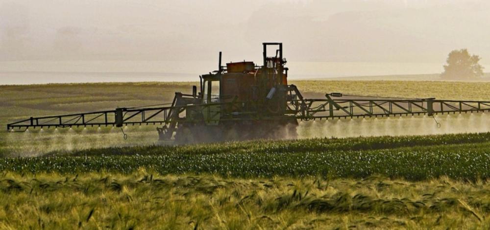 Farmers, Conservationists Challenge Trump's EPA, Monsanto Over Crop-Damaging Pesticide